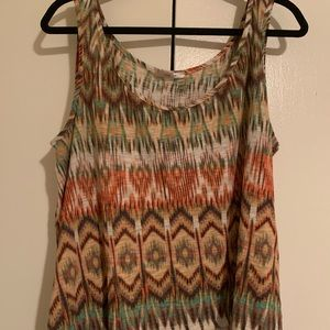Printed flowy tank, great for summer!